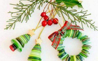 Okraski za jelko iz raznobarvnih starih gumbov, vrvic, vejic, …ustavrjalna delavnica (15.12.2020 ob 18.h ZOOM)